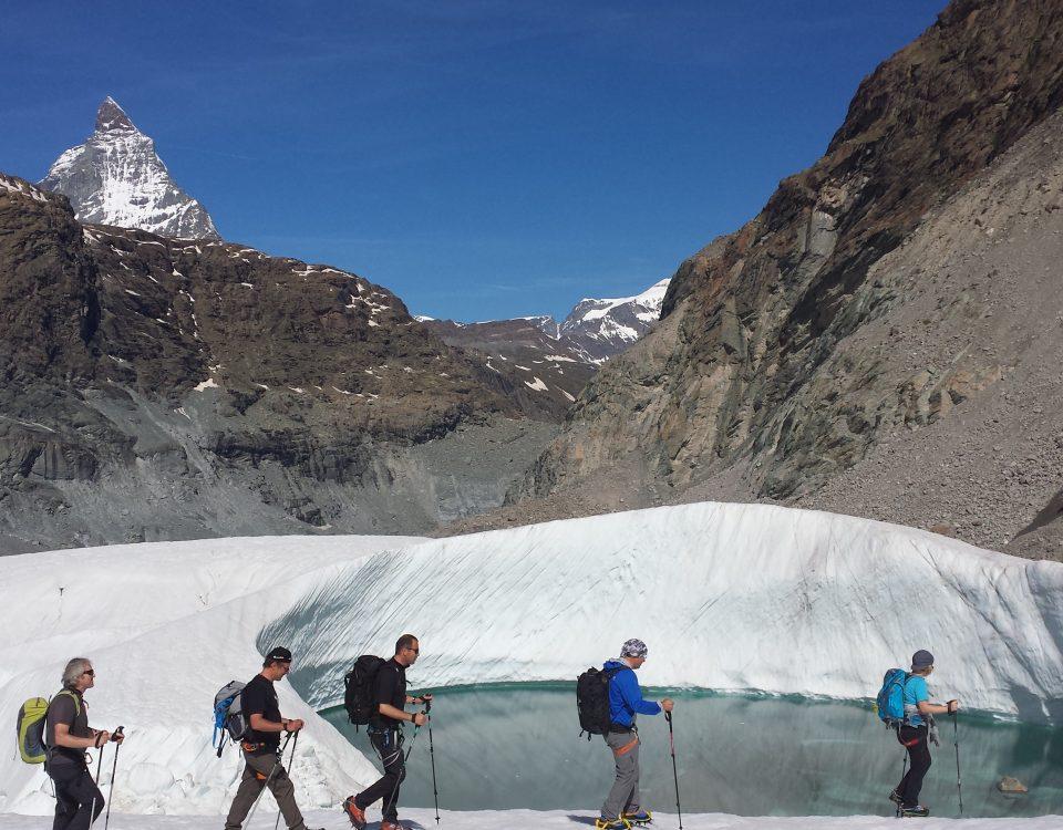 Gletschersee - wie heisst der Berg im Hintergrund schon wieder?